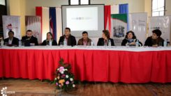 La ministra Mabel Causarano (tercera contando desde la derecha) y los demás presentes en la presentación. Foto: prensa SNC